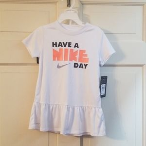 Nike Girls DryFit 2 piece Outfit